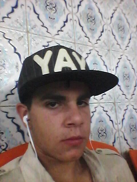 Ismail Hosni, il ventenne italo-tunisino che ha accoltellato due militari e un agente in Stazione Centrale a Milano