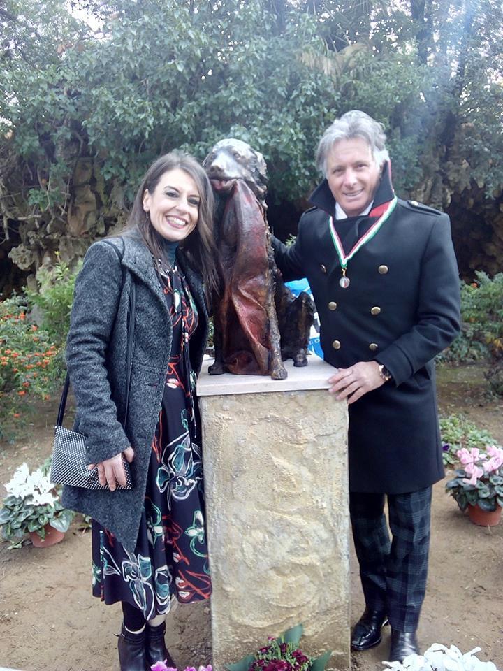 Livorno, anche Giorgio di Uomini e Donne per la statua del cane-simbolo contro il maltrattamento sugli animali