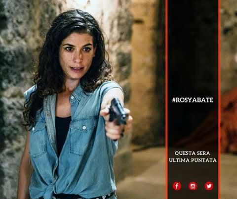 Rosy Abate , sfoglia l album social in attesa della seconda stagione