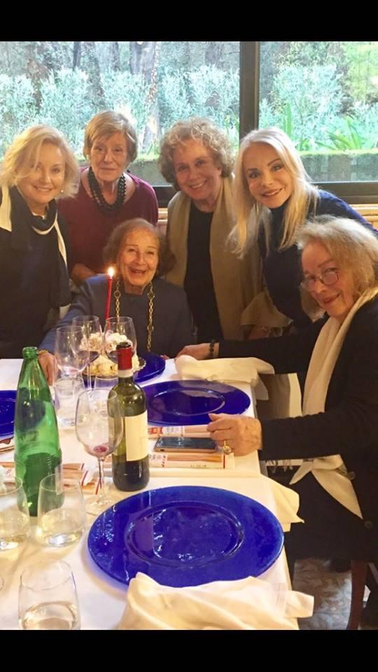 Le storiche  signorine buonasera  si ritrovano per i 90 anni di Nicoletta Orsomando