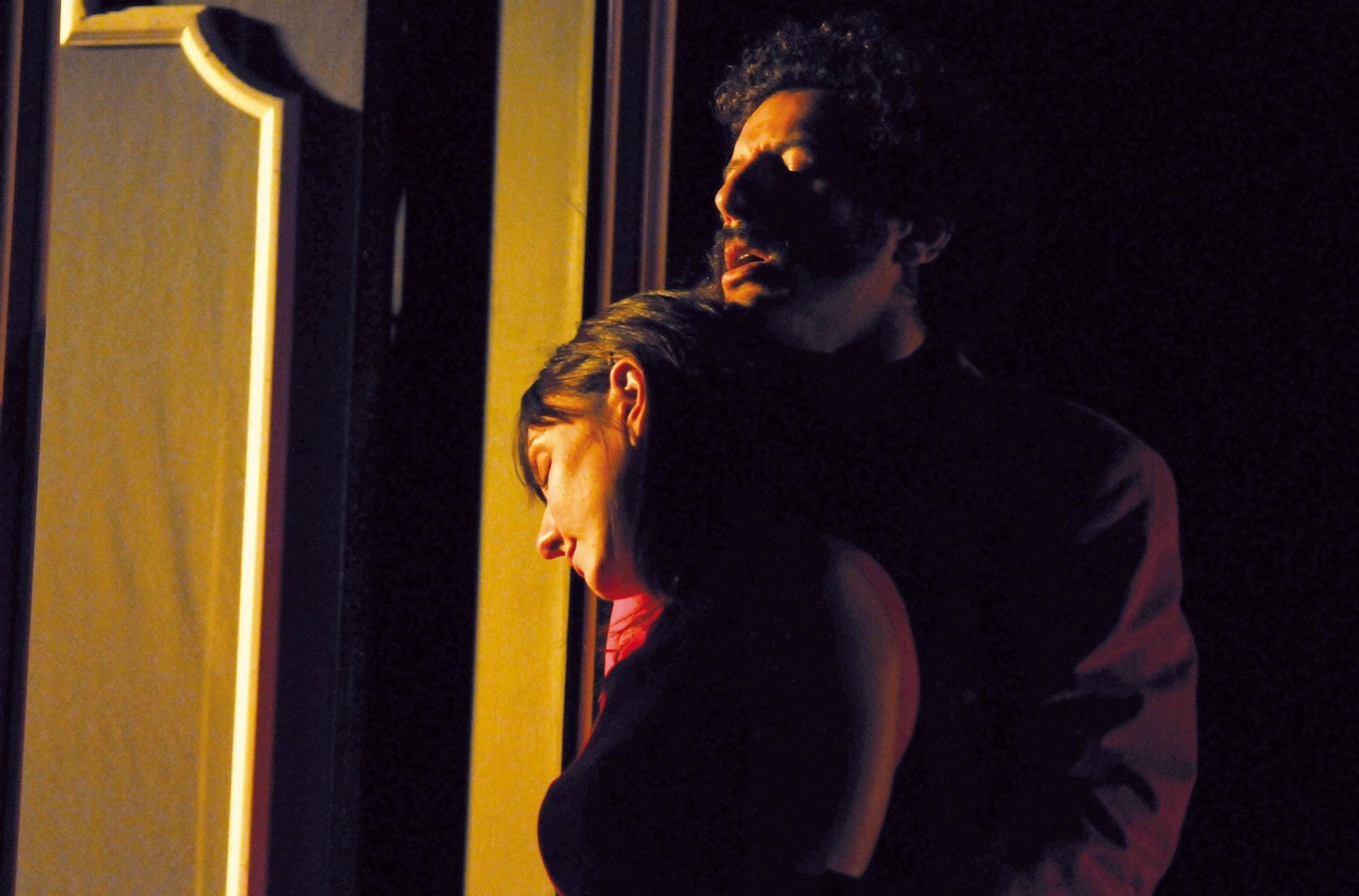 Ambra e Francesco Scianna in scena con i  Tradimenti  di Pinter