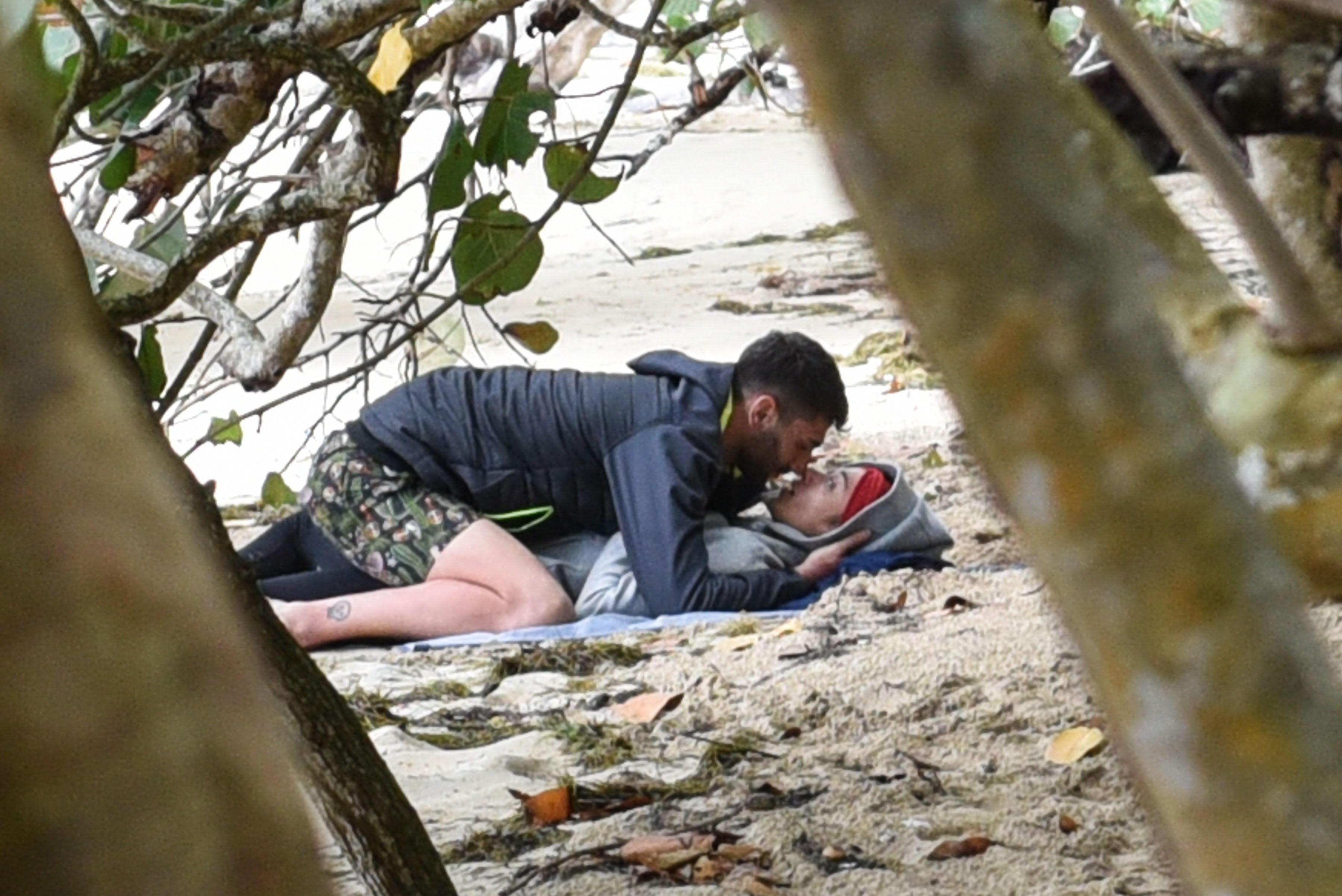 Isola dei Famosi 2019 , tra Jeremias e Soleil è arrivato il bacio!