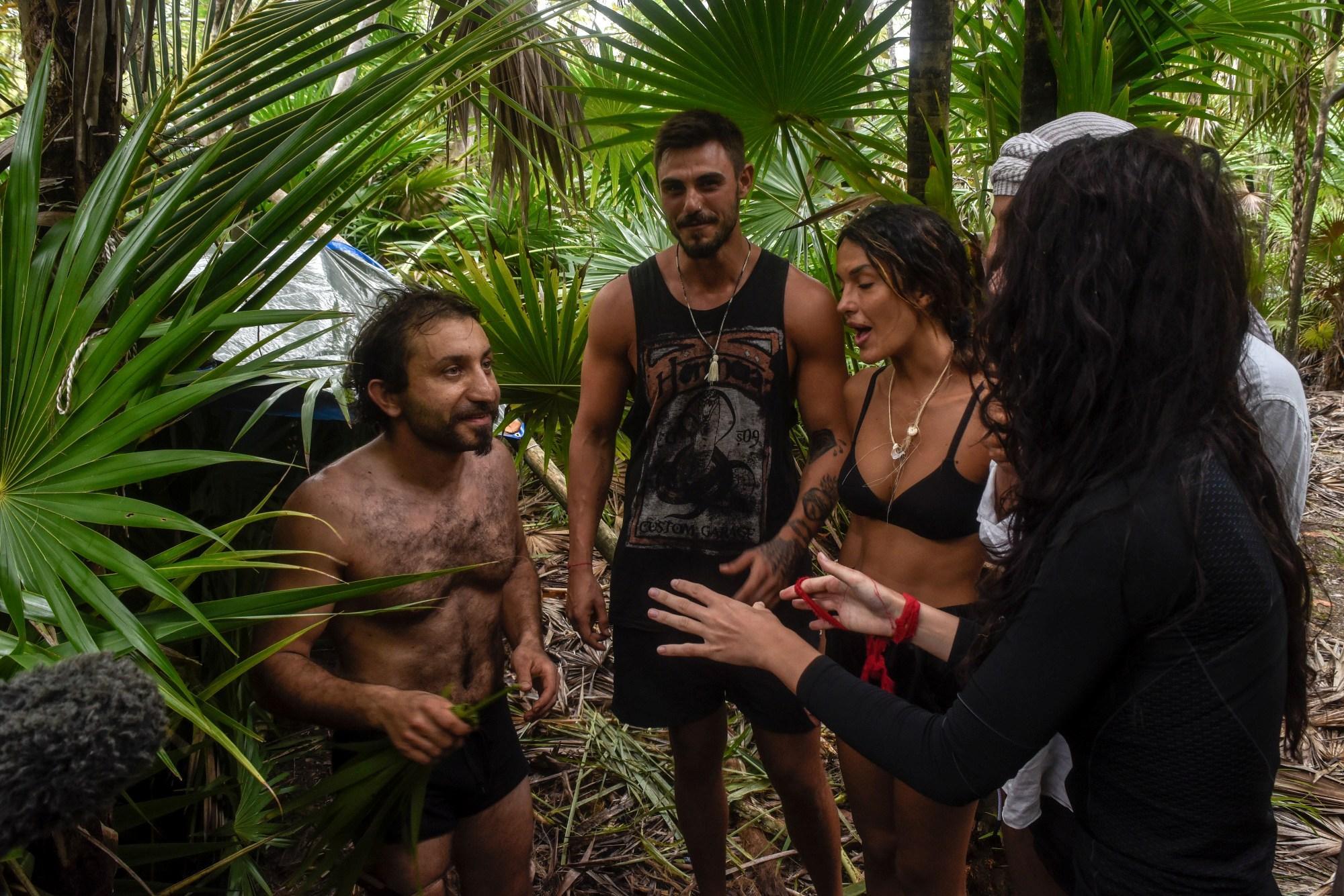 Isola dei Famosi: Simone Barbato si unisce al gruppo dei Peor