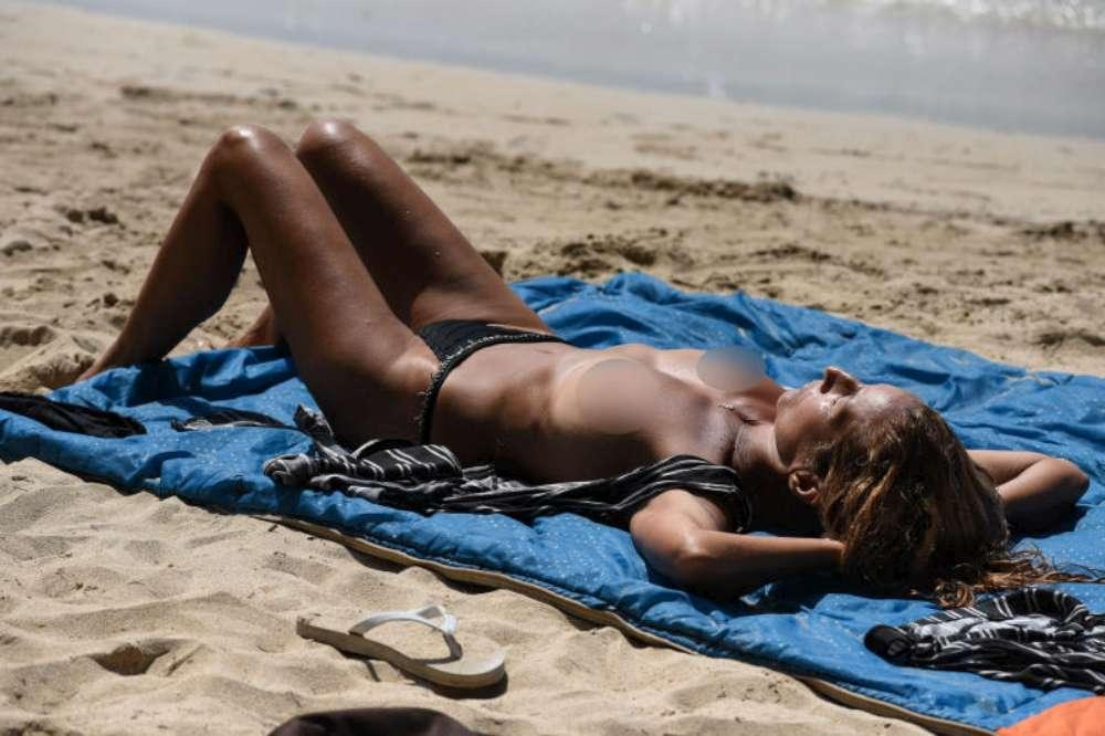 Isola dei Famosi , tutte in topless...