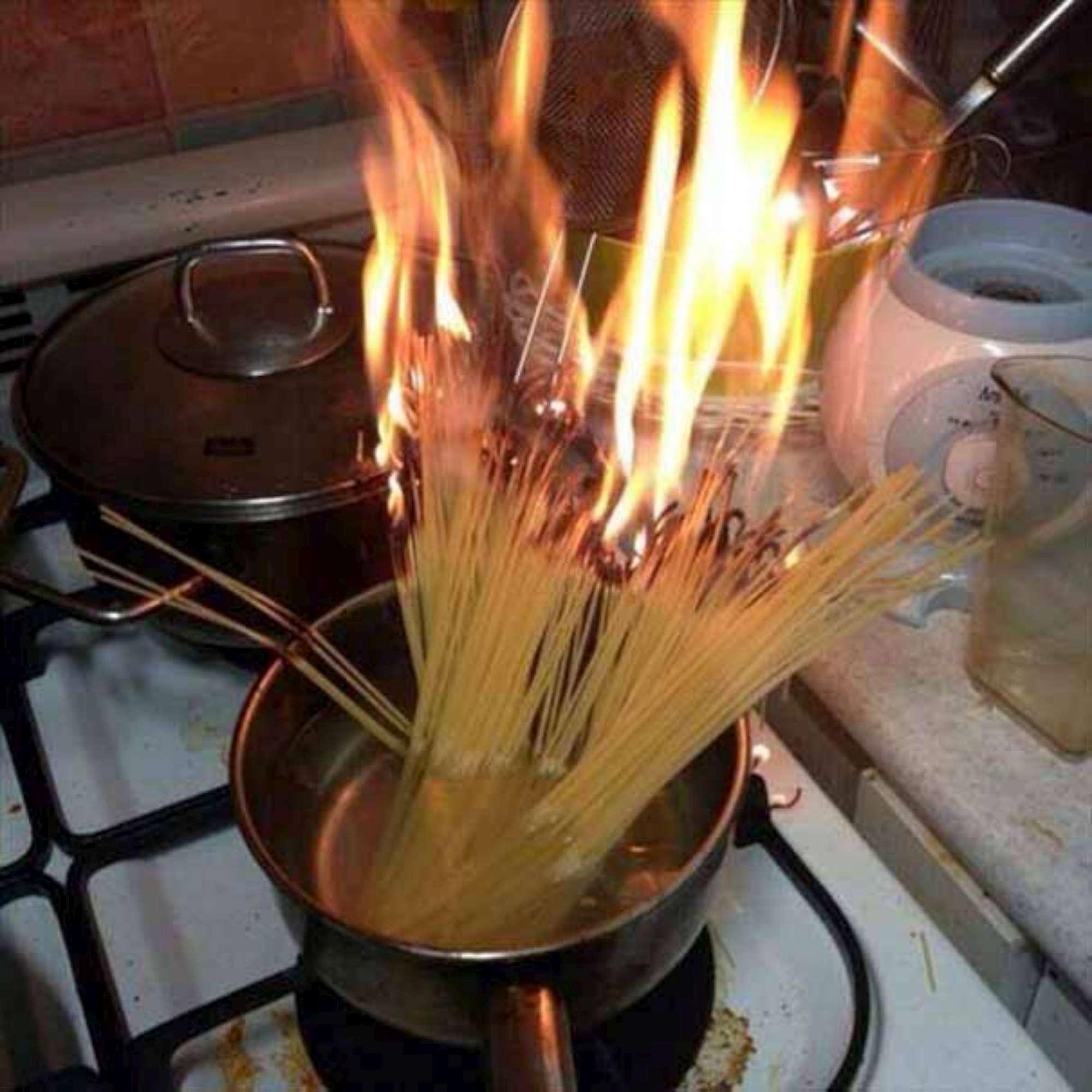 Bilderesultat for cooking fail meme