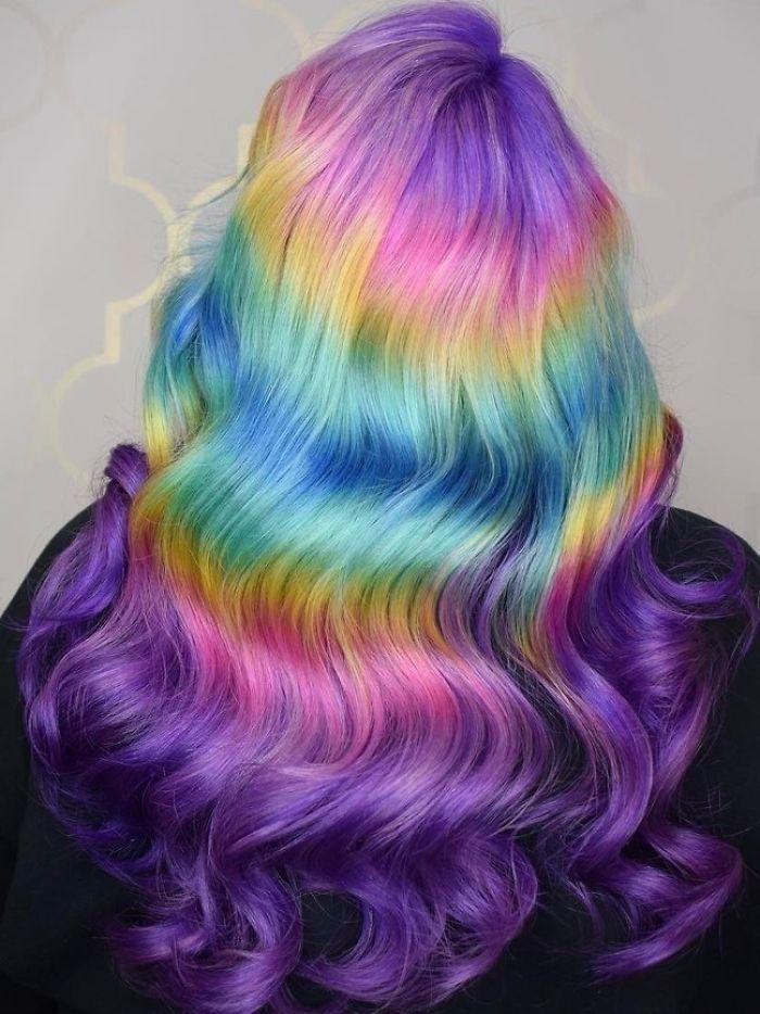 Chiome arcobaleno: i colori da mettersi in testa