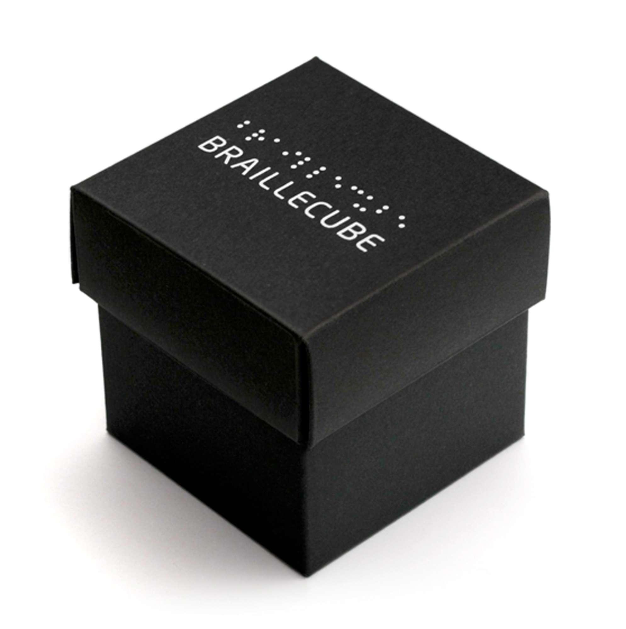 Per i ciechi arriva il cubo di Rubik in braille