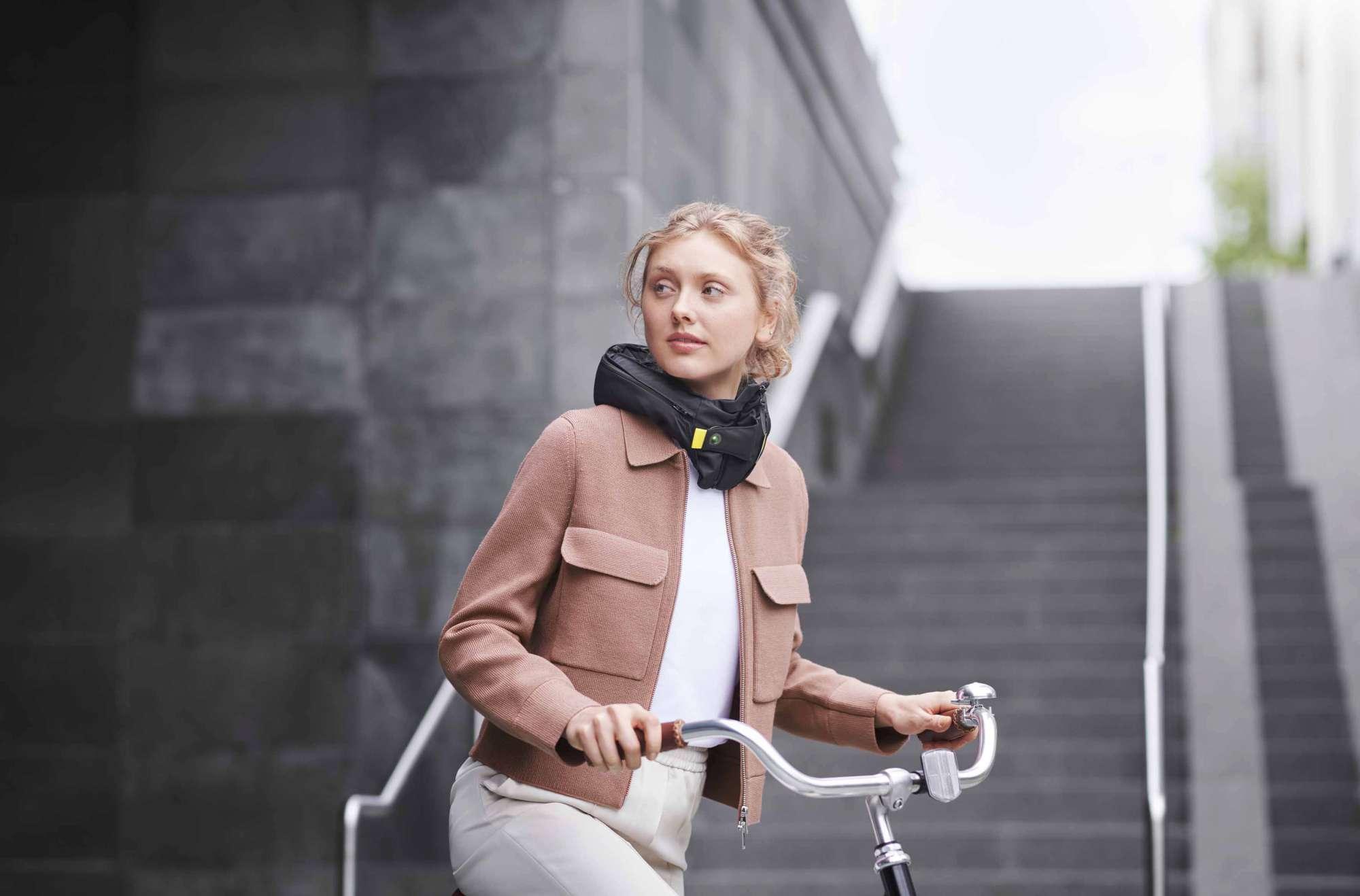 Arriva il nuovo airbag per ciclisti: è il più sicuro al mondo