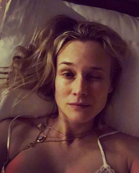 Diane Kruger, selfie senza trucco da neo-mamma sfinita