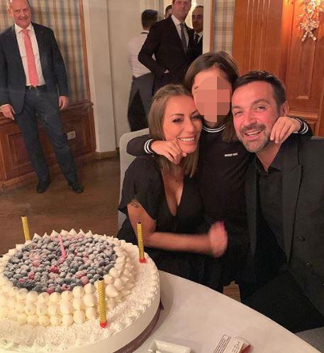 Karina Cascella festeggia 39 anni, guarda festa e regali