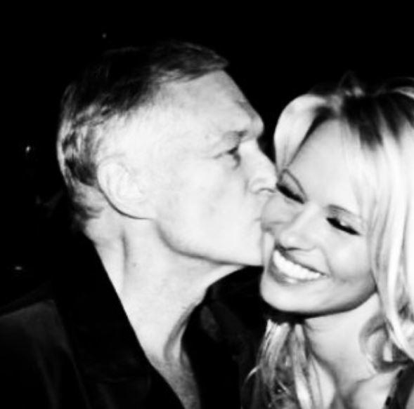 Pamela Anderson ricorda Hugh Hefner