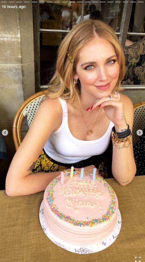 Torta Compleanno Neo Mamma.Compleanno Anticipato Per Chiara Ferragni Foto Tgcom24