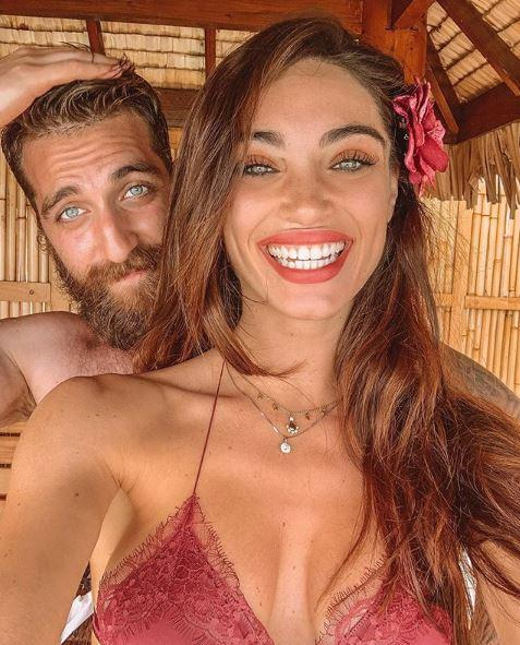 Lorella Boccia in luna di miele tra bikini sexy e giochi con Niccolò Presta