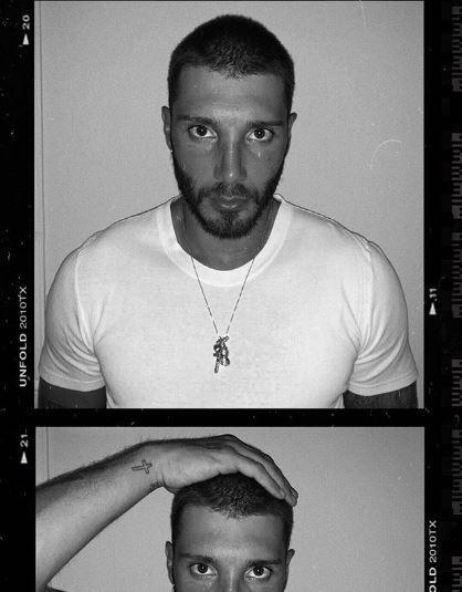 Stefano De Martino si rasa, ecco il nuovo look su Instagram