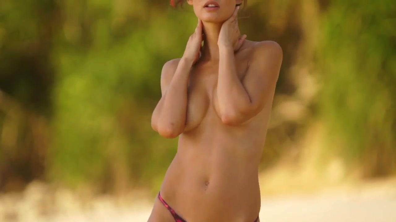 Bianca Balti, la prima volta in topless su Sports Illustrated