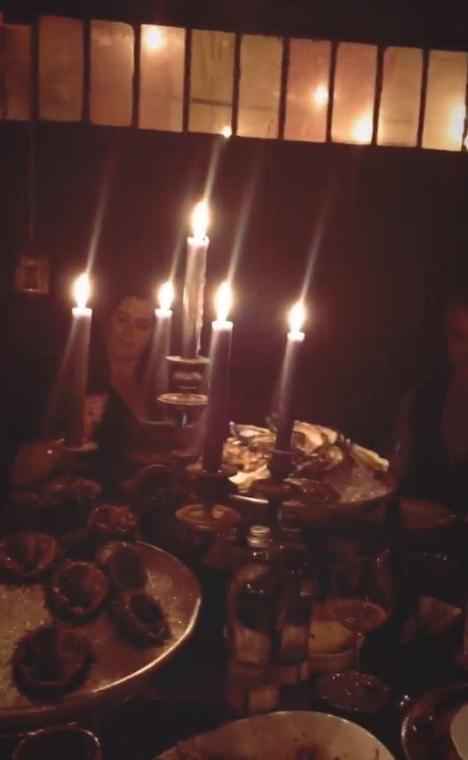Belen, serata in famiglia con Iannone e Moser