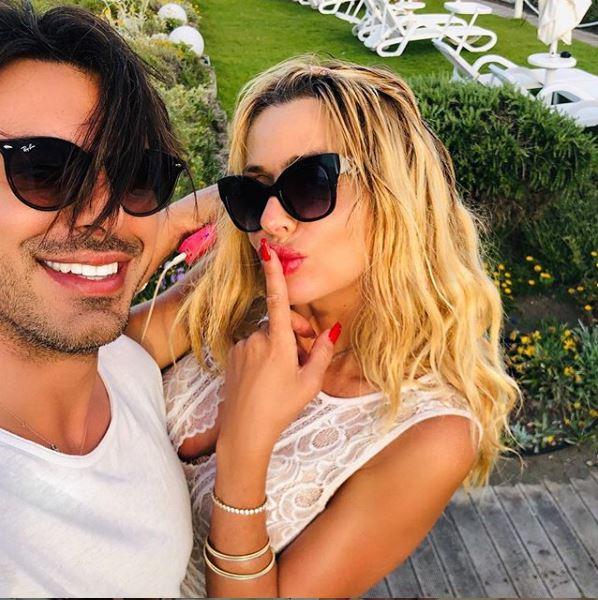 Valeria Marini esce allo scoperto con il nuovo fidanzato