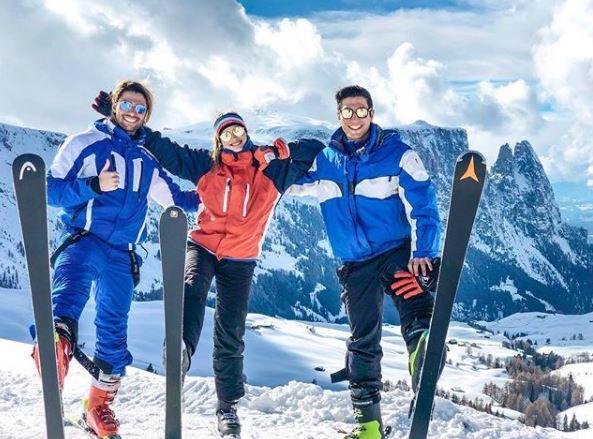 Luca Onestini e Ivana Mrazova, caldi baci sulla neve