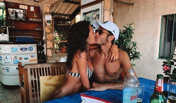 Vale Rossi, l album delle vacanze d amore con Francesca Sofia Novello