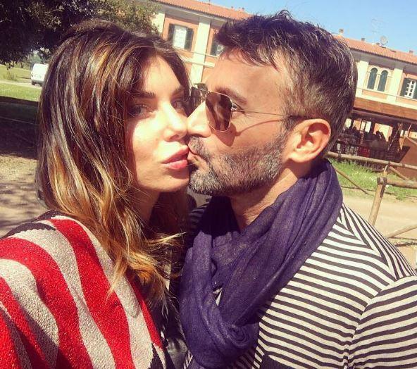 Bianca Atzei, vacanza in costume con Max Biaggi