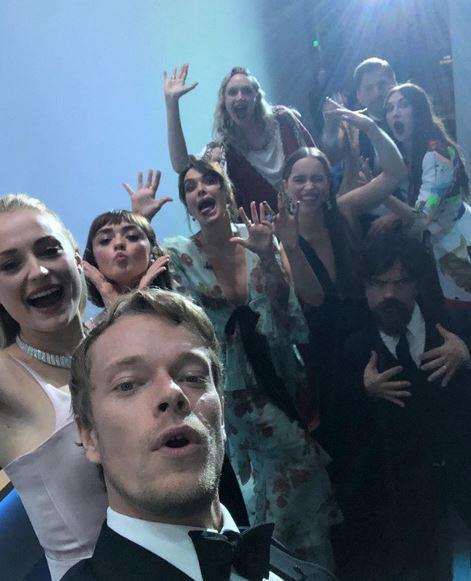 Ultimo selfie di gruppo per il cast de  Il Trono di Spade