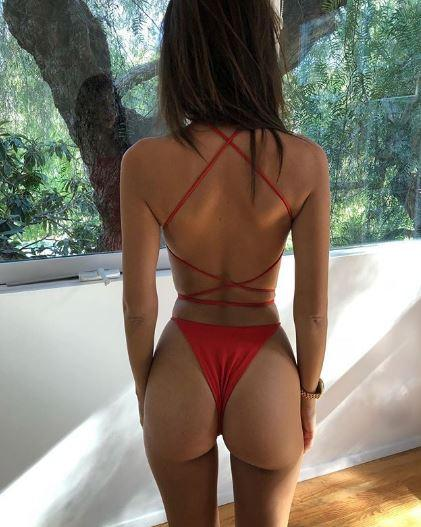 Emily Ratajkowski, lato B super hot