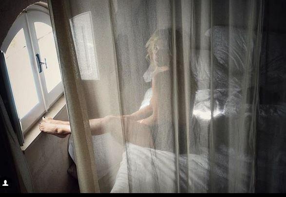 Francesca Barra fotografata nuda da Claudio Santamaria...  E mo  ti voglio ...