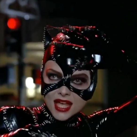 Michelle Pfeiffer debutta su Instagram e...  miagola  ai fan