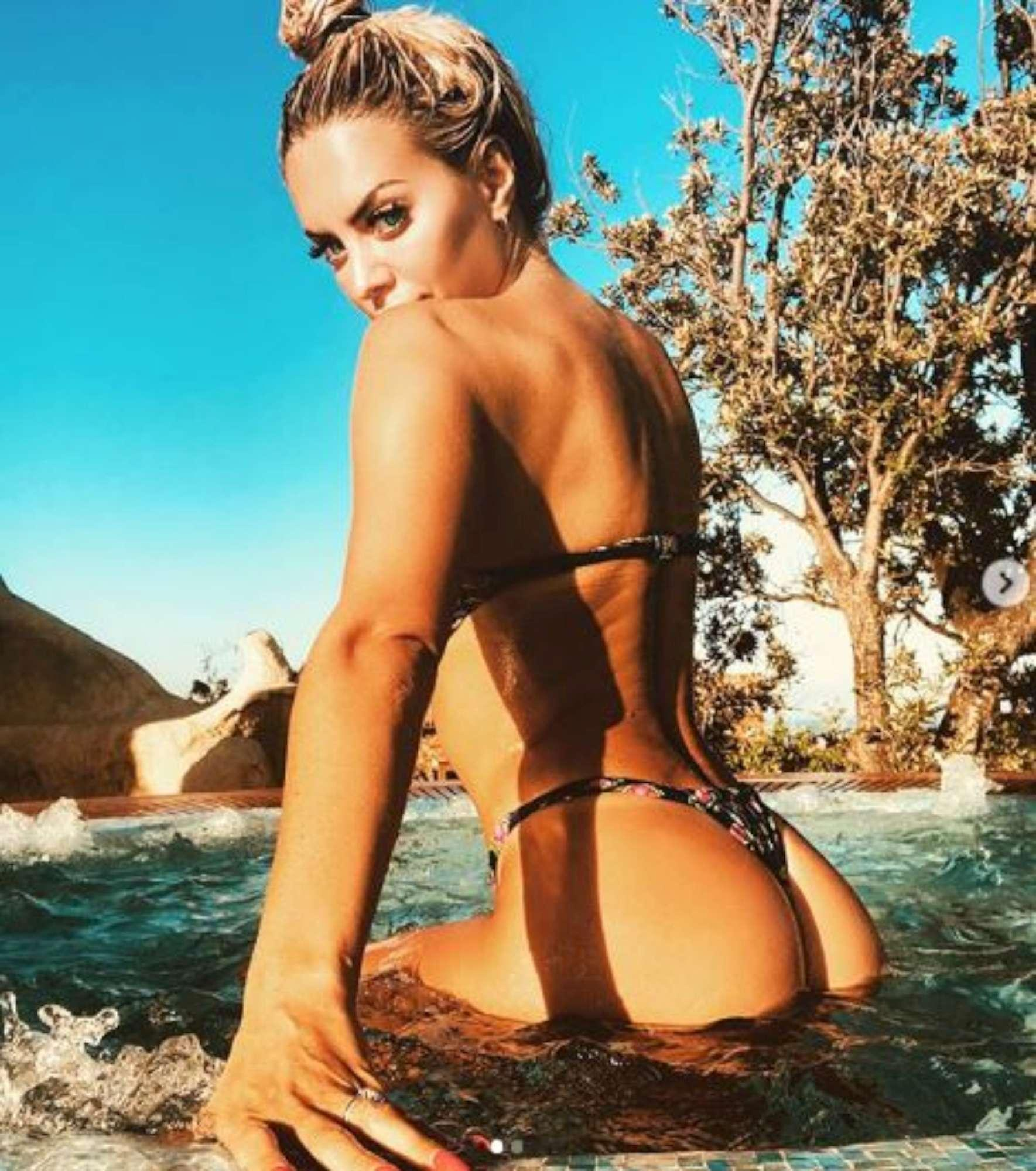 Elena Morali, bikini perfetto sui social