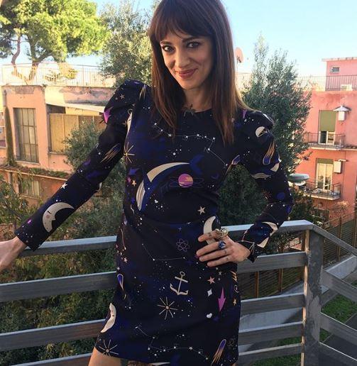 Asia Argento, salvata da Corona:  Il sesso con Fabrizio? Mi ha steso