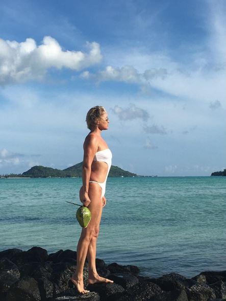 Splendide cinquantenni alla prova bikini - Foto Tgcom24 b777deb46d5