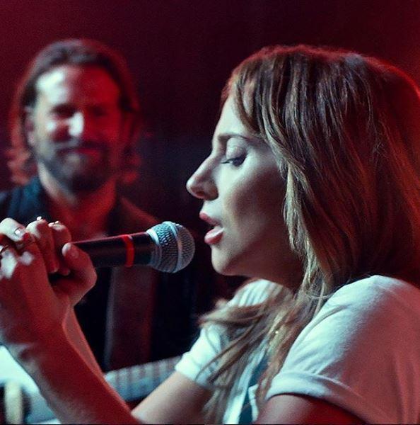A Star Is Born , alcune immagini del film con Bradley Cooper e Lady Gaga
