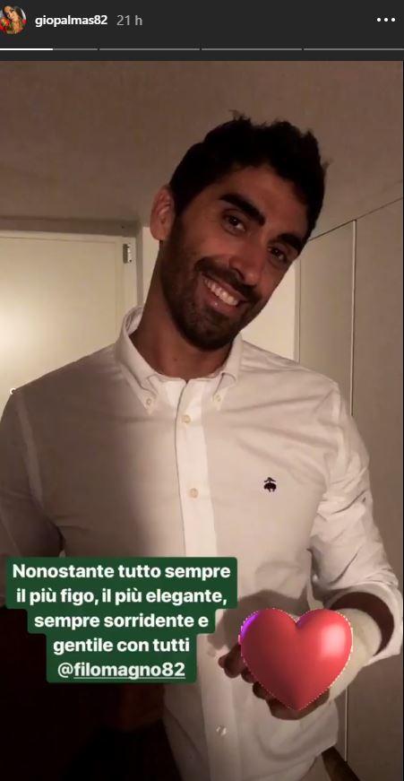 Giorgia Palmas, crocerossina in love per il suo Filippo Magnini ingessato