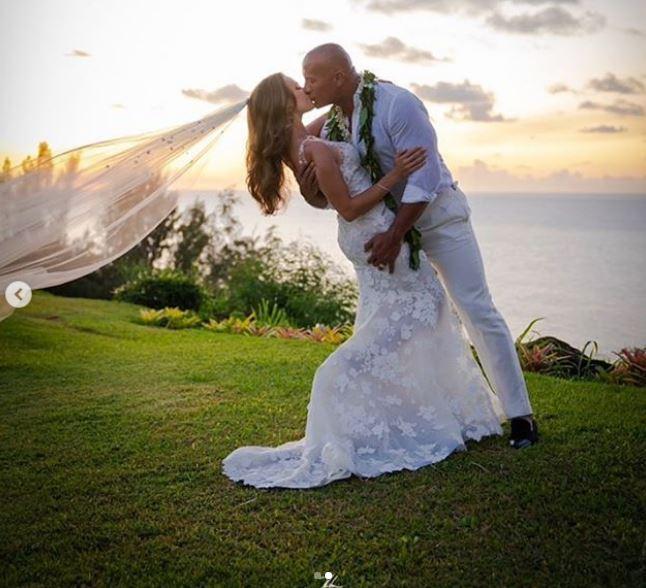 Dwayne Johnson si è sposato con Lauren Hashian