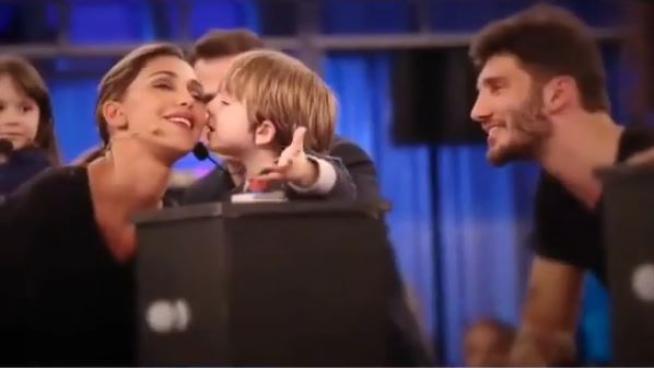Pequenos Gigantes , Belen e Stefano De Martino si incontrano in tv