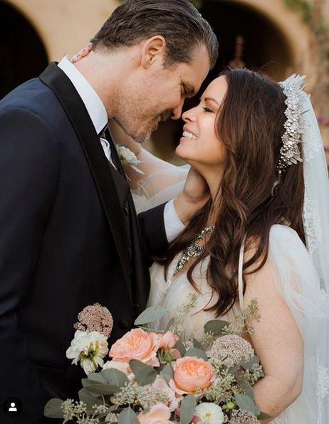 La  strega  Holly Marie Combs ha detto sì: le foto delle nozze
