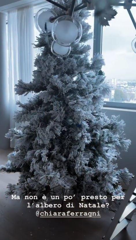 I Ferragnez giocano d anticipo, ecco l albero di Natale