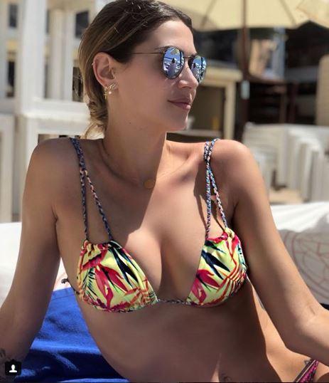 Calendario Melissa Satta.Melissa Satta Bikini Incontenibile A Ibiza Foto Tgcom24
