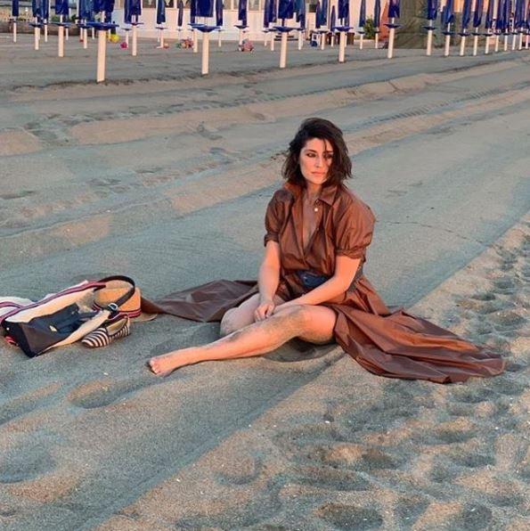 Elisa Isoardi resta  spiaggiata