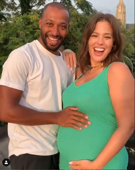 Bebè in arrivo per Ashley Graham, l annuncio su Instagram