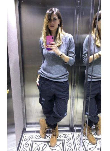 Melissa Satta casalinga (im)perfetta: Boa ha i calzini bucati!