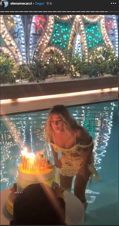 Diletta Leotta, party in piscina per festeggiare i 28 anni