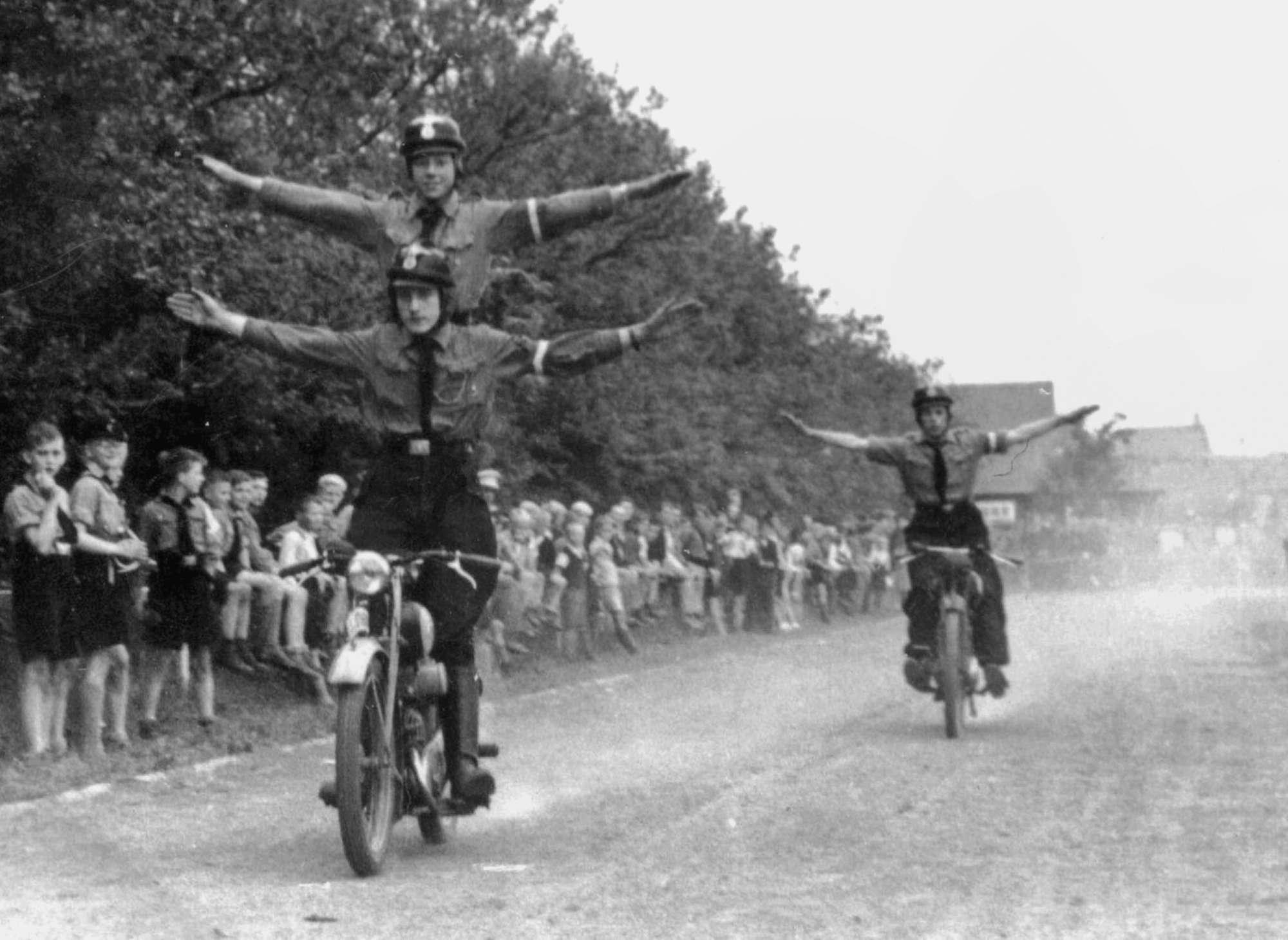 I mezzi di trasporto durante la Seconda Guerra Mondiale: il fascino delle moto