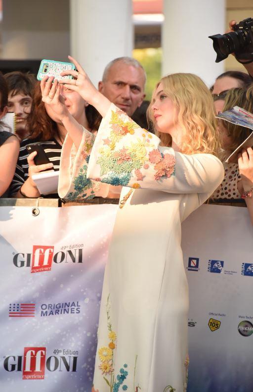 Elle Fanning è la star del Giffoni Film Festival