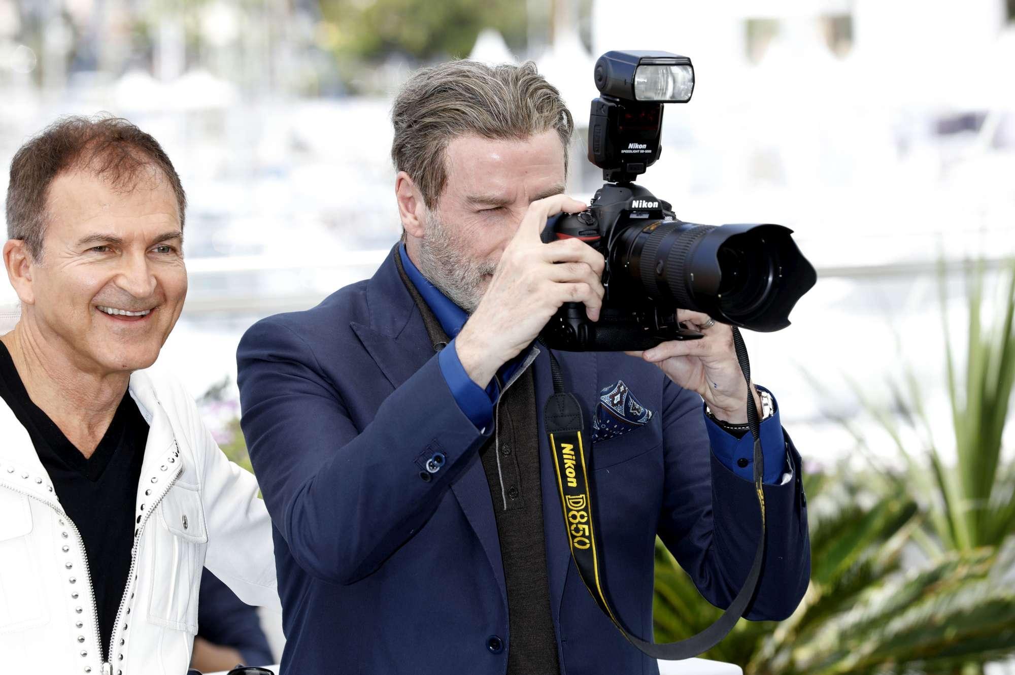 John Travolta, l'attore americano a Cannes è una star