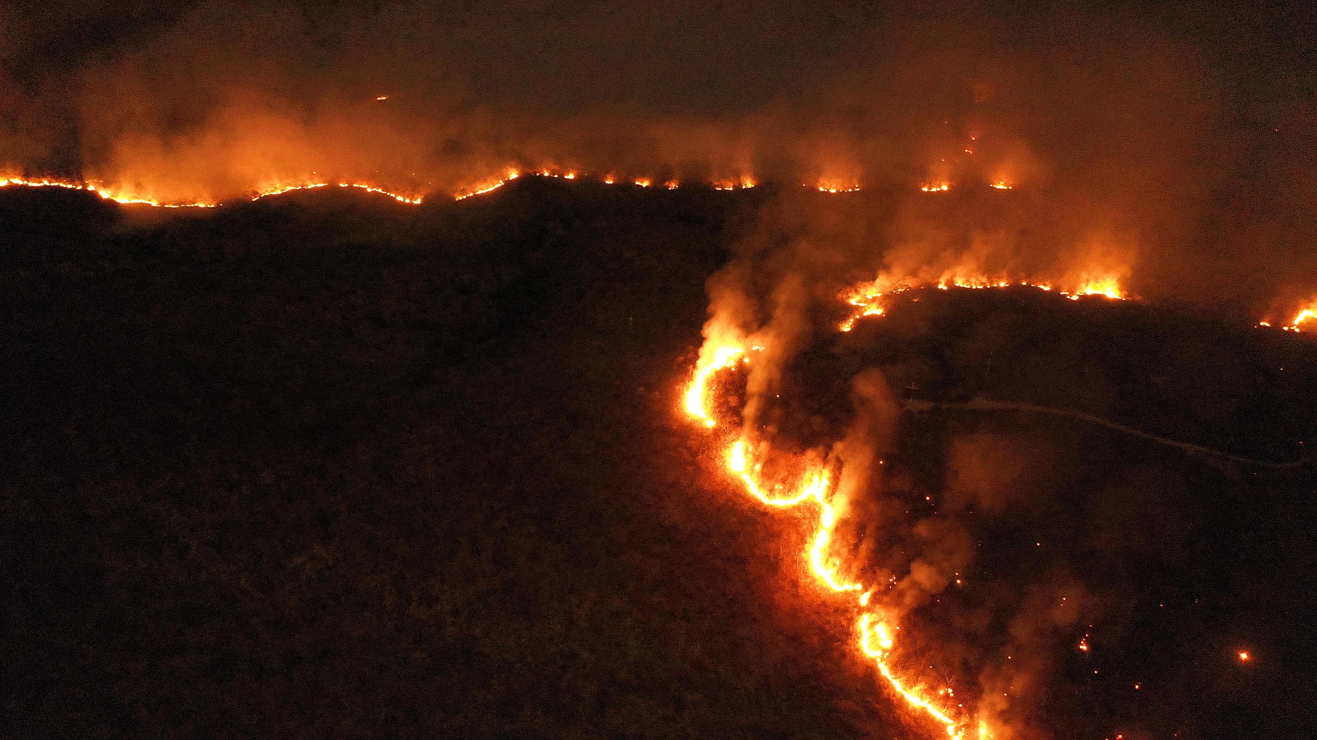 L Amazzonia continua a bruciare