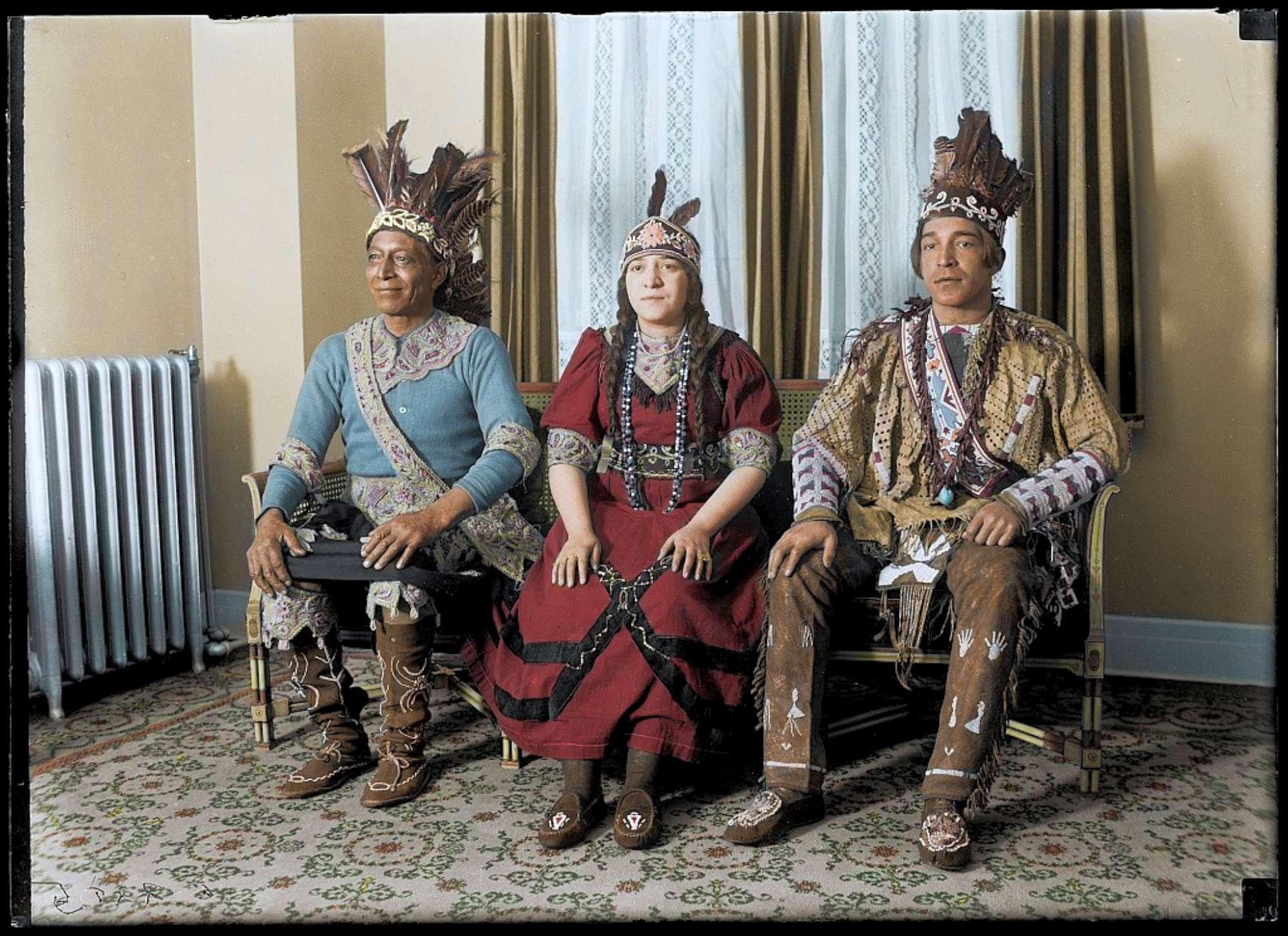 Vecchio West, si colorano le fotografie di Buffalo Bill e dei nativi americani