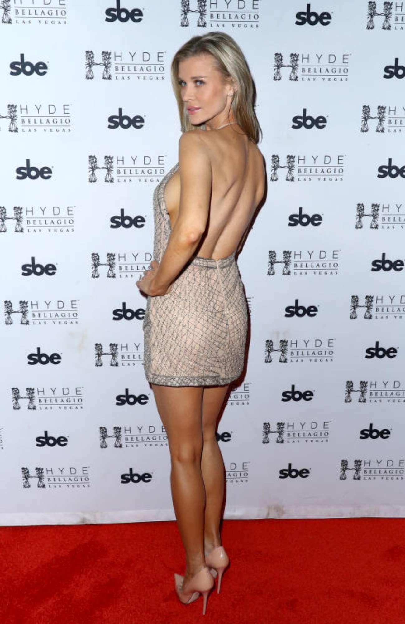 Joanna Krupa, compleanno con super-sideboob