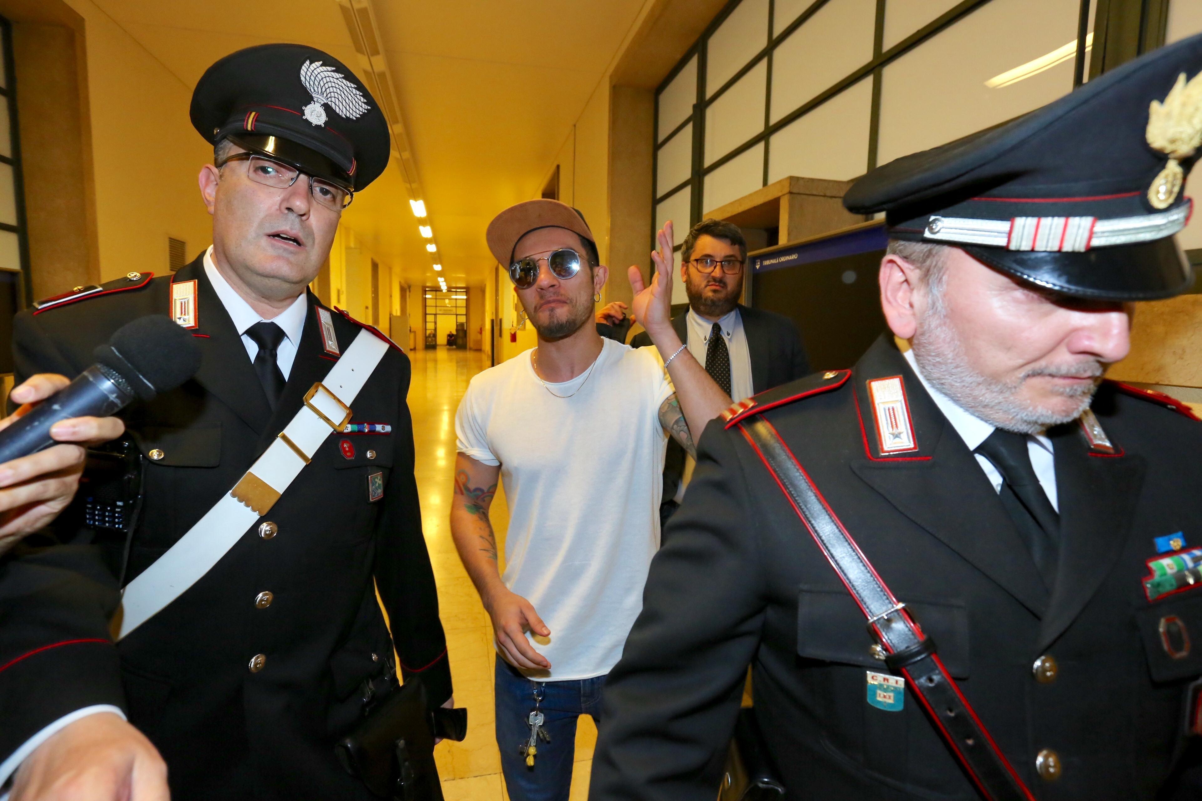 Marco Carta, non convalidato l'arresto per furto:  Felice, non sono stato io