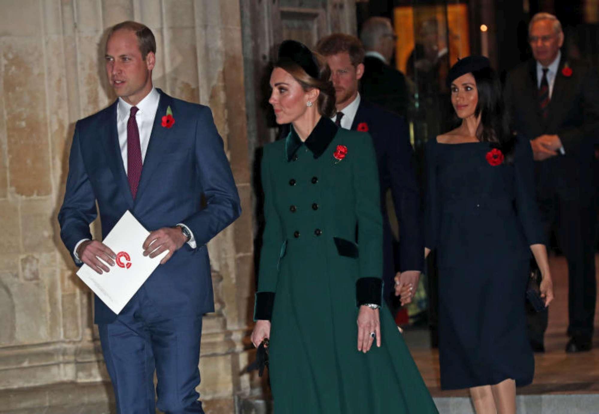 """Harry e William, primi allontanamenti """"reali"""" per colpa delle mogli"""